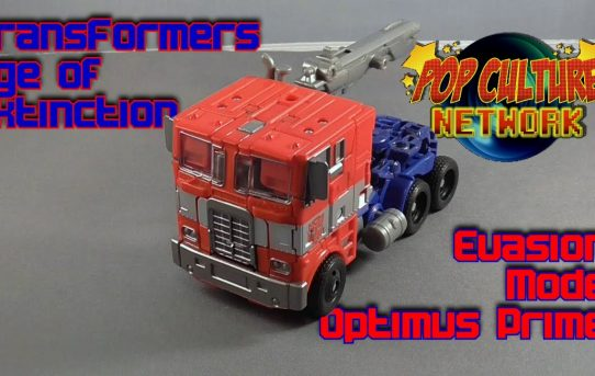 Formers Friday Special - Transformers Voyager Evasion Optimus Prime Review