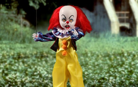 Mezco Toyz Living Dead Dolls Presents It 1990 Pennywise